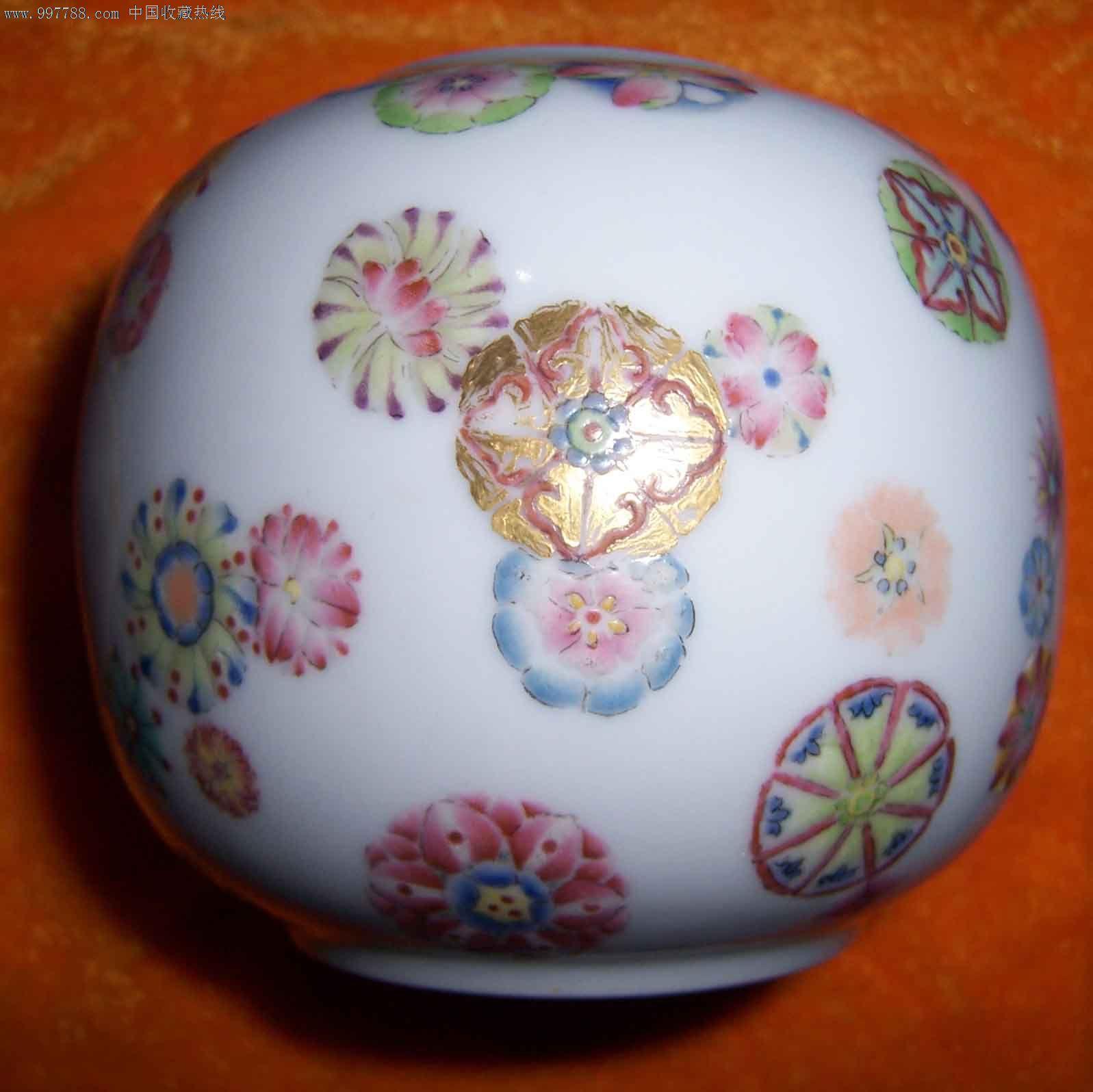 清代皮球花纹小罐