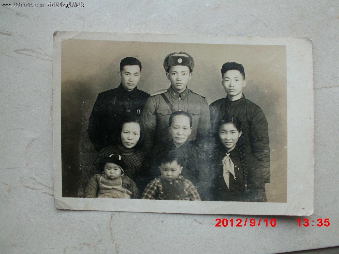 50年代军人家庭照图片