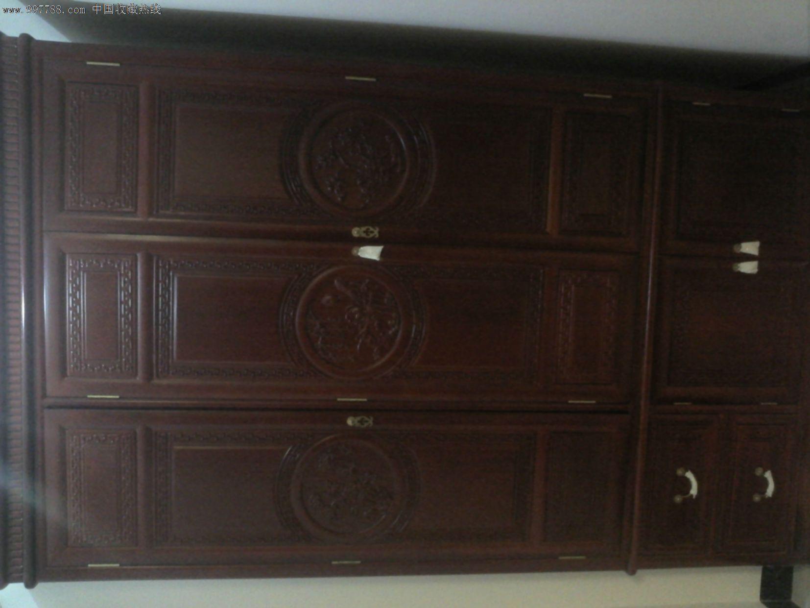 新红木衣柜三扇门