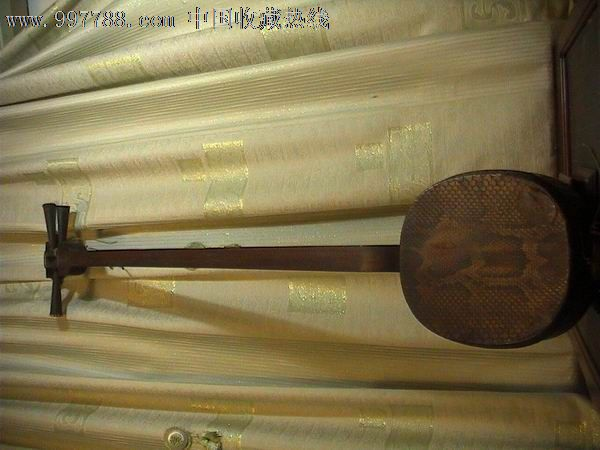 很老的三弦琴(三胡琴)图片