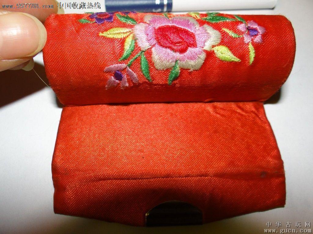 真丝~手工工艺刺绣花~红色玫瑰花喜气小盒子