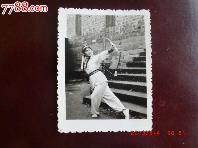足球美女v足球-古装:5元-se17439021-老照片-零代双骄价格图片