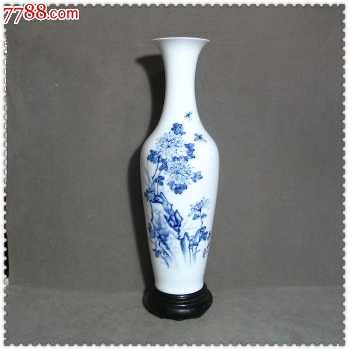 漂亮精美的文革手绘青花薄胎瓷瓶