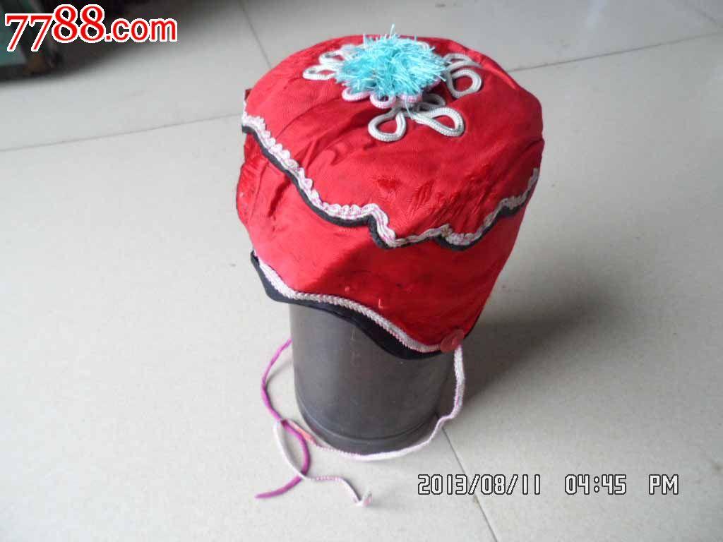 民国小孩红帽子