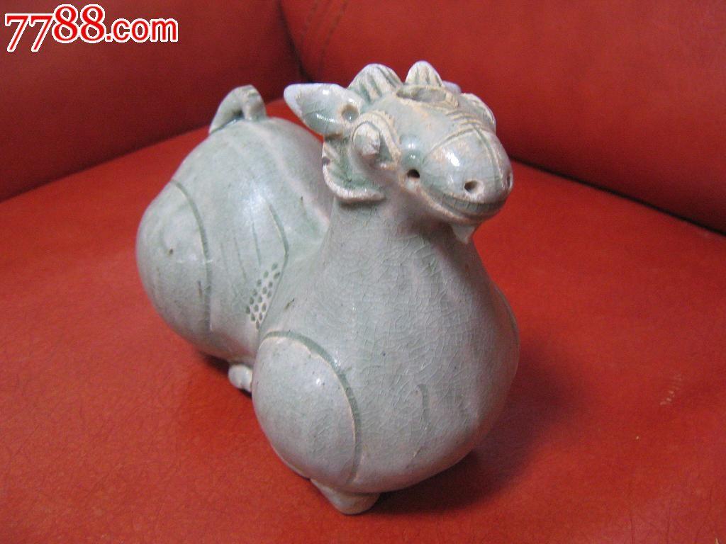 青瓷羊摆件动物雕塑龙泉窑