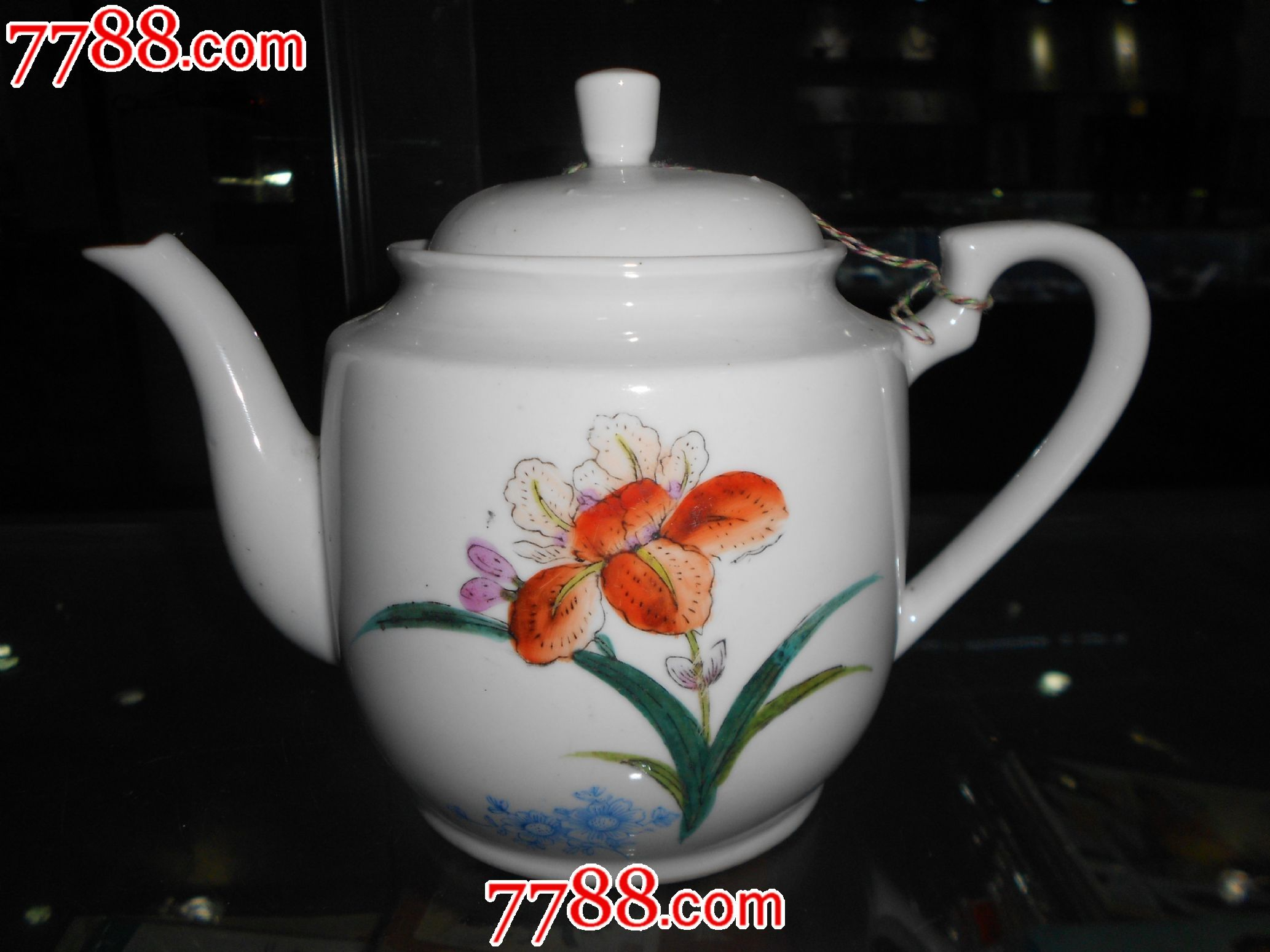 手绘老茶壶