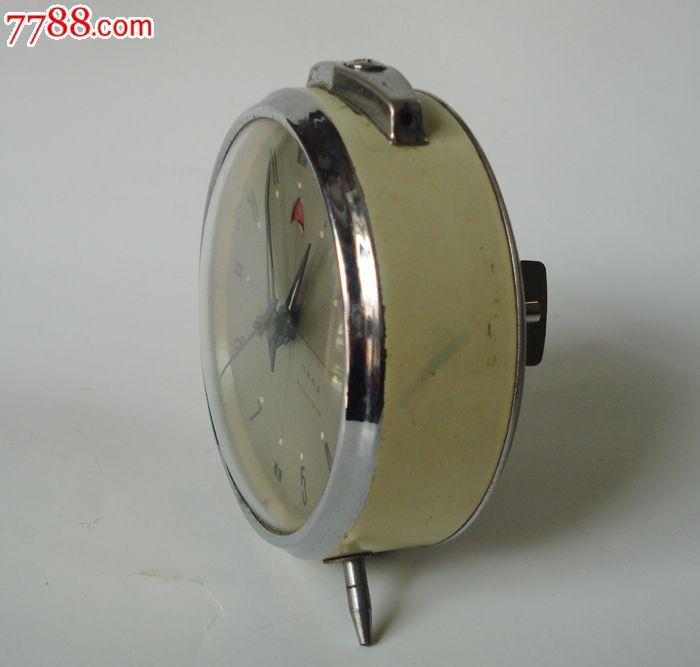 老闹钟老式机械闹钟金鸡牌圆形机械老闹钟金属外壳上发条闹钟
