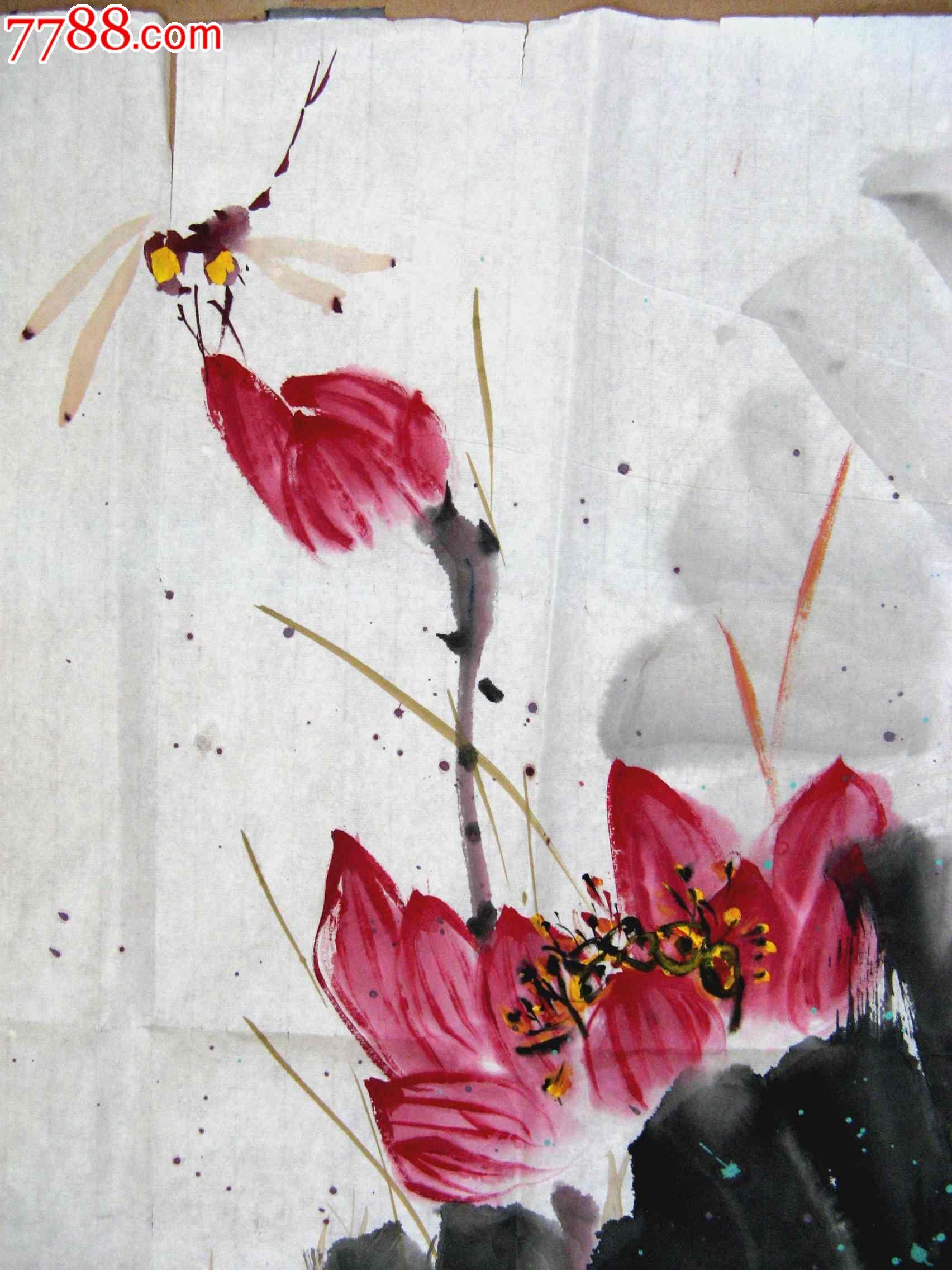 画风清雅俊秀的四尺斗方荷花画:红荷蜻蜓