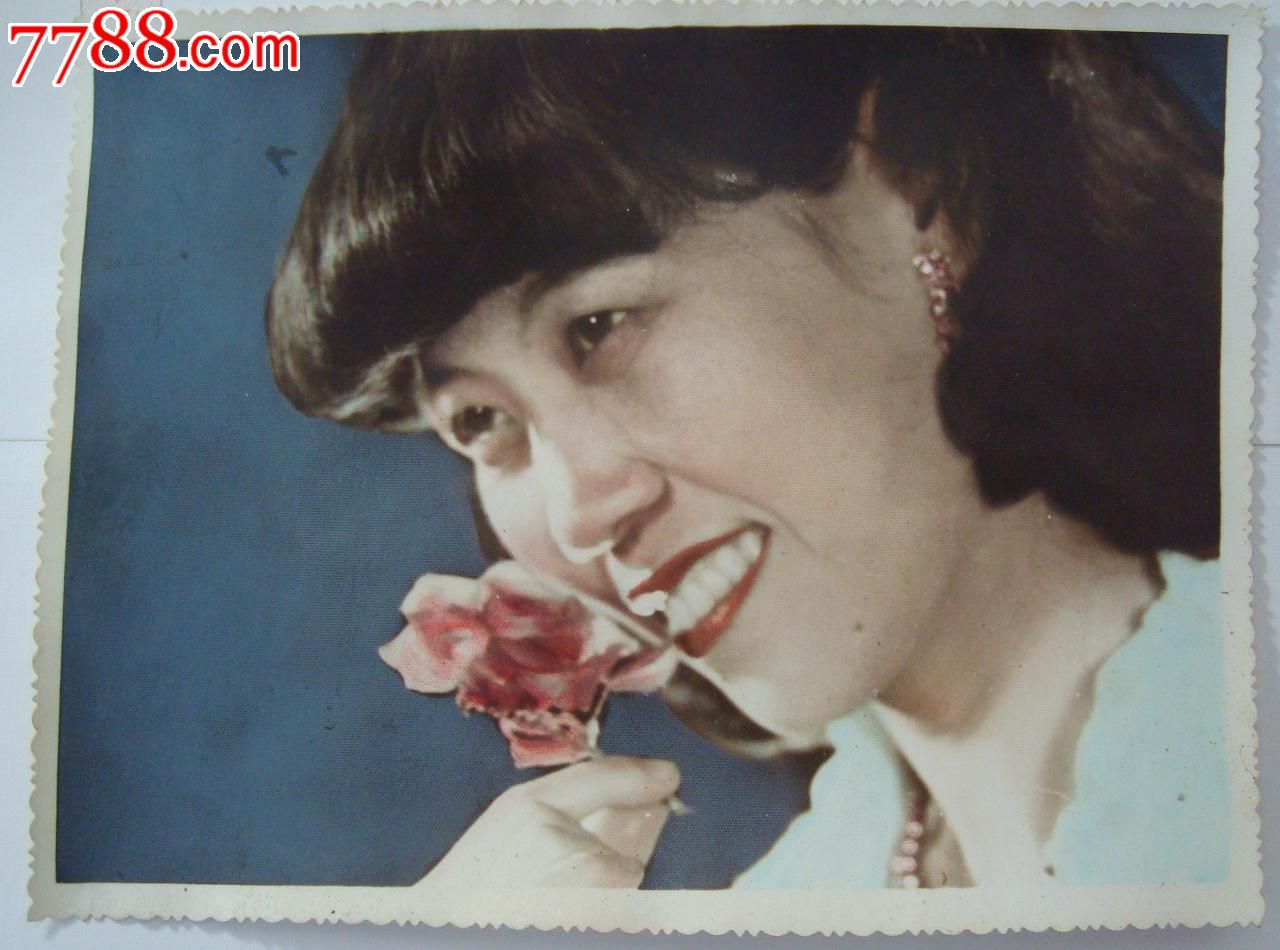 八十年代大幅彩色美女照片