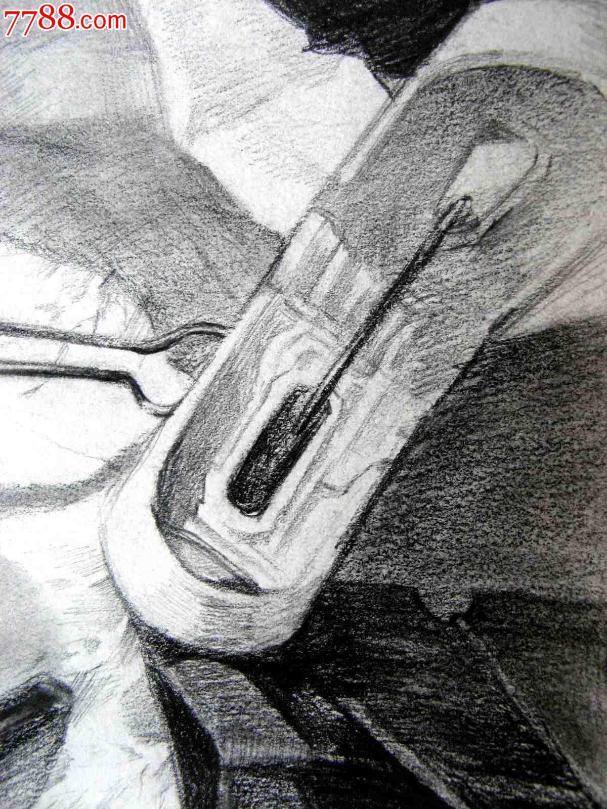 铅笔素描画:文具夹子