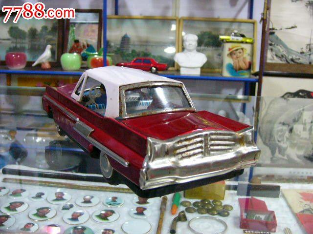 七十年代铁皮玩具车