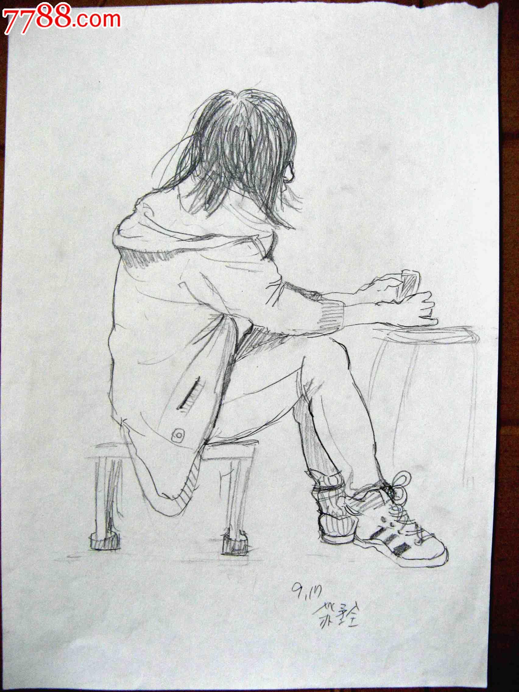 素描人物画2幅:坐着休息的女生