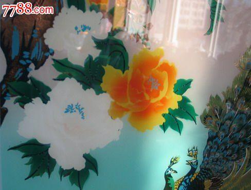 文革彩绘孔雀牡丹立体工艺玻璃画