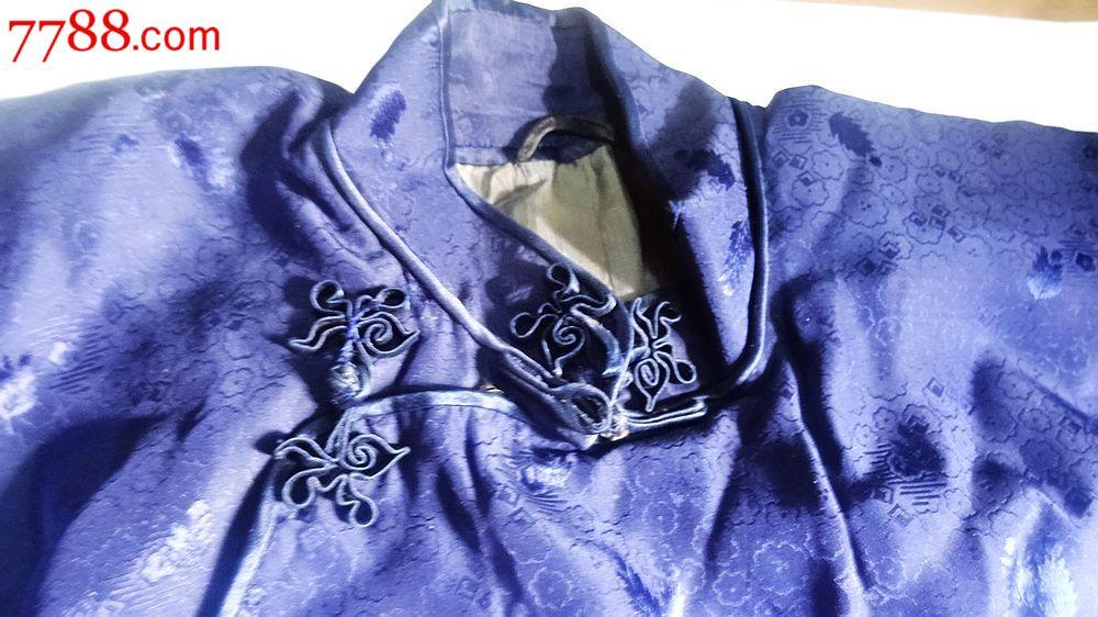 古董旗袍:手工开叉蓝色花纹旗袍一件,做工精美,扣子是