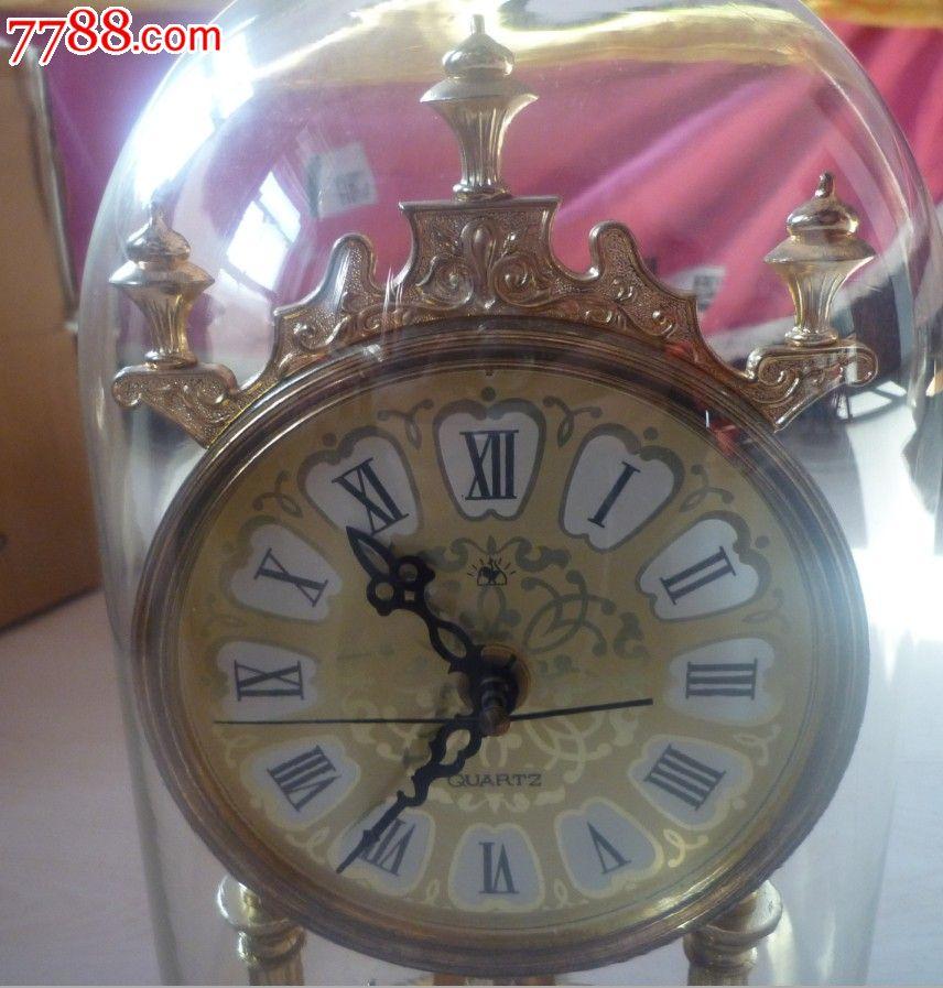 怀旧经典收藏老式金鸡牌玻璃罩子花纹底盘电子座钟